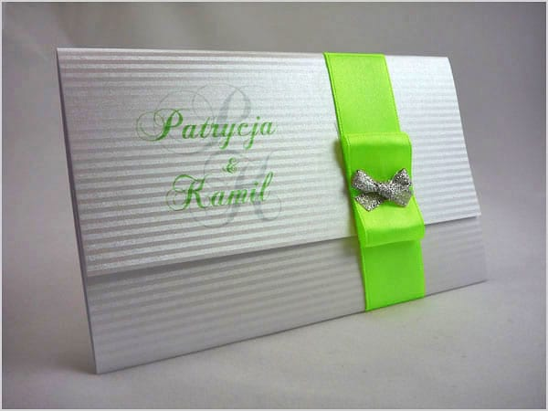 Zaproszenia ślubne z seledynową wstążką