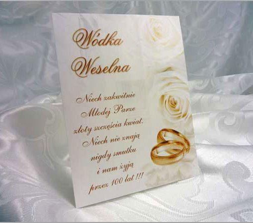 Eleganckie naklejki na wódkę weselną białe i złote