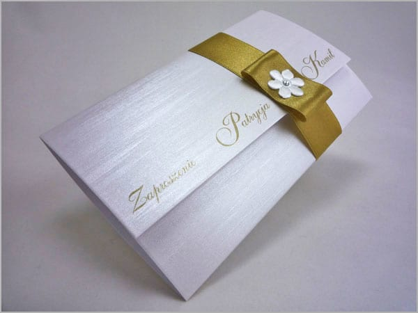 Złote zaproszenia na ślub