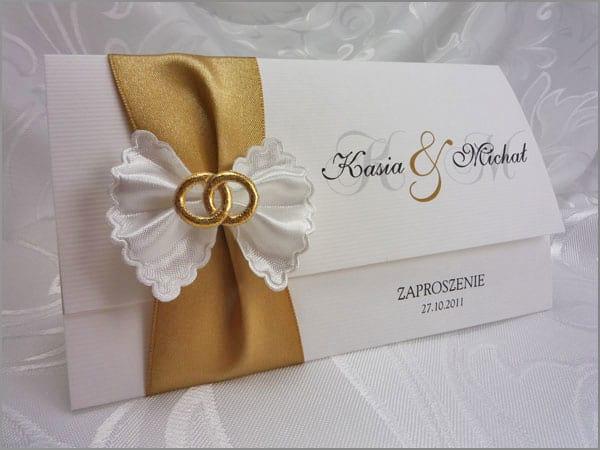 Zaproszenia ślubne z kokardką