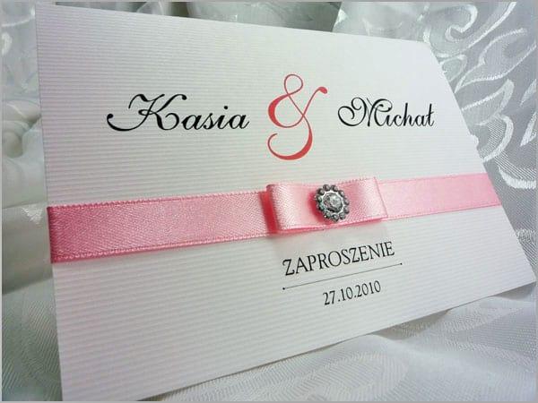 Zaproszenia ślubne z różową wstążką