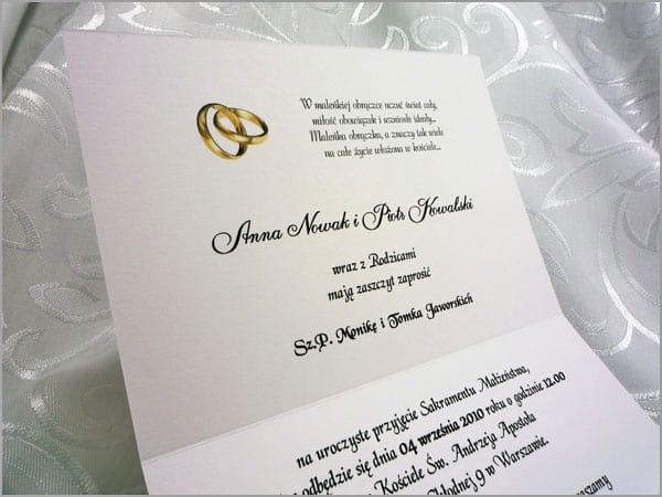 Środek zaproszenia ślubnego
