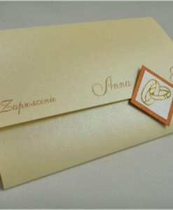 Kremowe zaproszenia na ślub z obrączkami