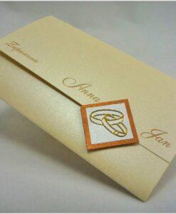 Zaproszenia na ślub z kremowego papieru złote napisy