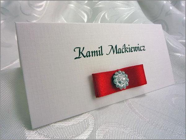 Karteczki z nazwiskam gości na stół